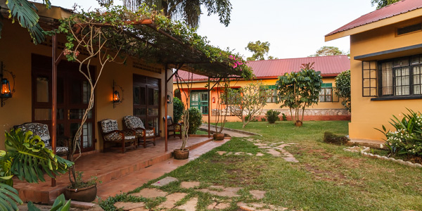 accommodations-airport-guesthouse-entebbe-600x300px-4114